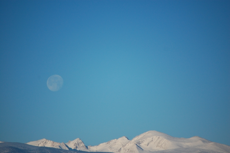 2015-dec-moon-and-snowcap-mountains